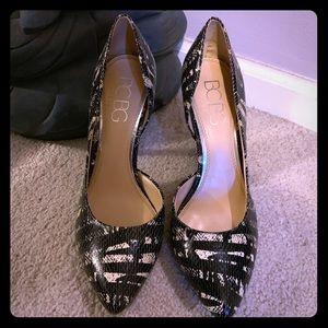 BCBG heels sz 9
